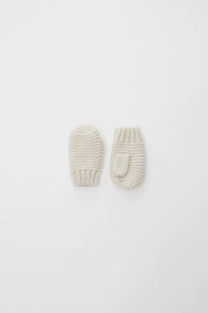 Basic Knit Mittens, Ecru, 1-3 Years & 3-5 Years    https://www.zara.com/us/en/basic-knit-mittens-p01323588.html     Target