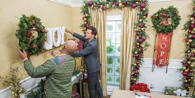 "Debbie Matenopoulos和Cameron Mathison欢迎女演员Jennifer Finnigan从标志频道原来电影""欢迎来到圣诞节""。烹饪作者Donal Skehan制作蔓越莓和白色巧克力圣诞花环。L.A. Times Test Kitchen Director,Noelle Carter准备培根包裹的肉饼。""七天""作者,名人培训师Alec Penix股票如何庆祝小型胜利将使我们的健身目标更快。Larissa Wohl由Sherri Franklin的Muttville创始人加入,他专门从事庇护所拯救高级狗。Ken Wayard向我们展示了一个DIY重新划分的雪橇。Paige Hemmis有一个DIY礼品包装棒。Maria Provenzano抛出了最终的节日聚会。阿里Fedotowsky-Manno烘焙冬季动物蛋糕。我们的家人讨论了他们最珍视的节日礼物。 Credit: © 2018 Crown Media United States, LLC | Photo: jeremy lee/ Alexx Henry Studios, LLC."