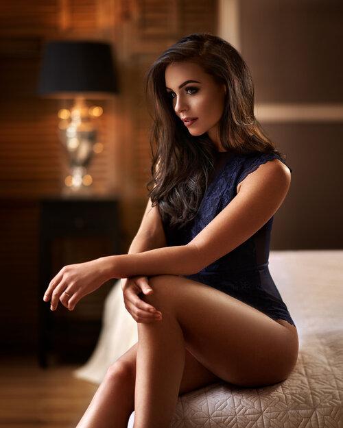 Model: Kelly van den Dungen