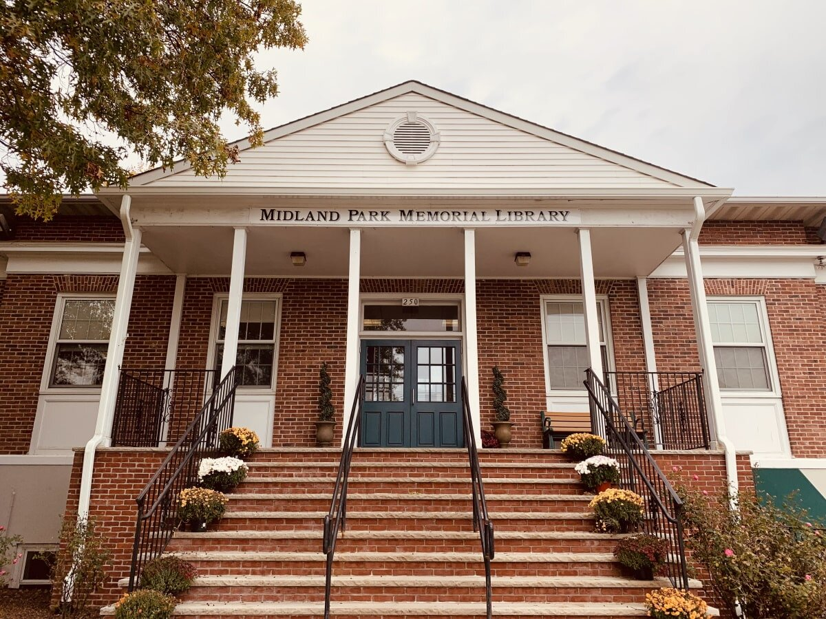 Midland Park Memorial Library in Bergen County New Jersey - 201-444-2390