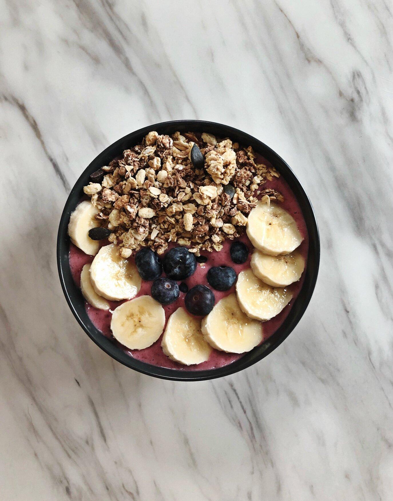 Vegan Berry and Banana Smoothie Bowl