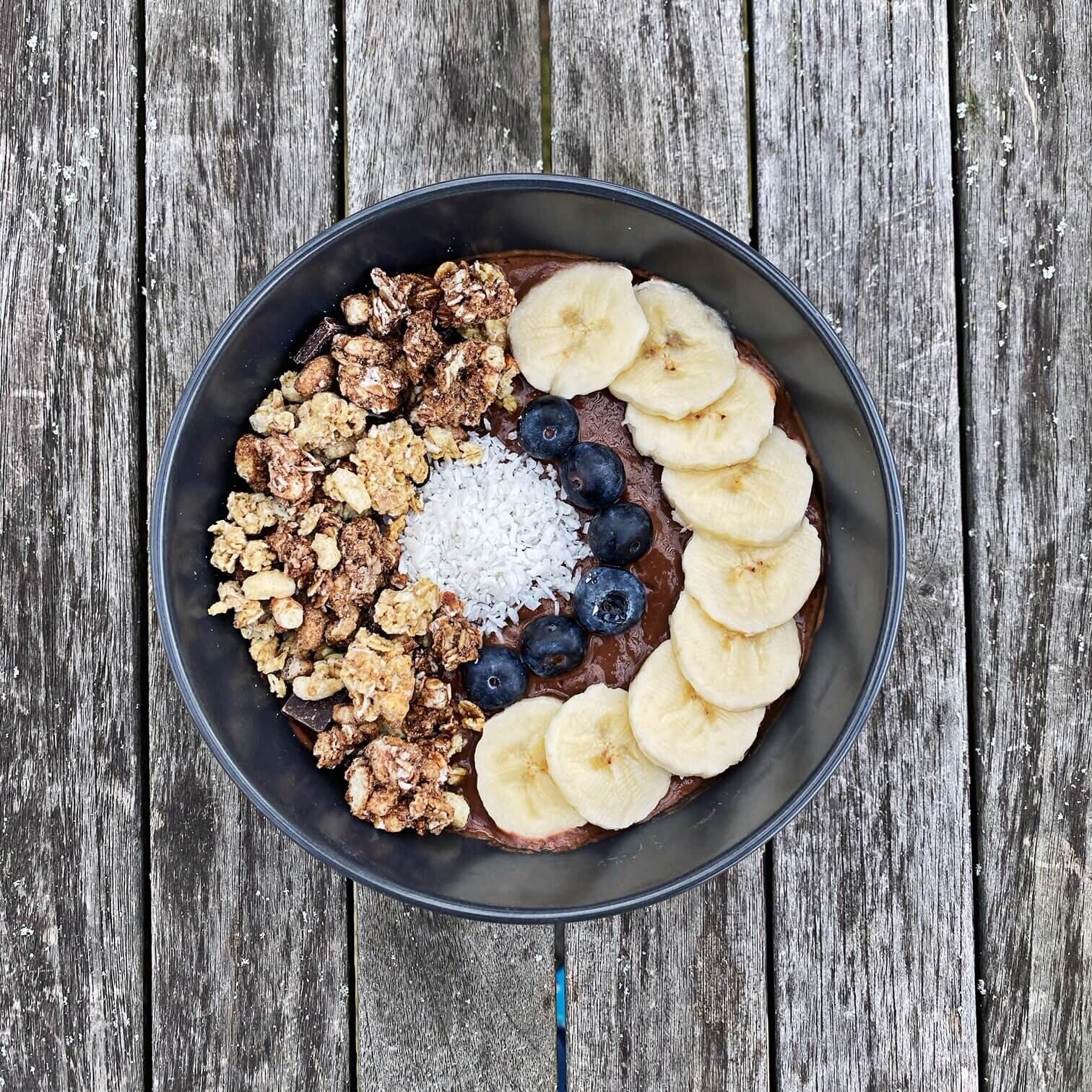 Healthy Vegan Chocolate and Banana Smoothie Bowl