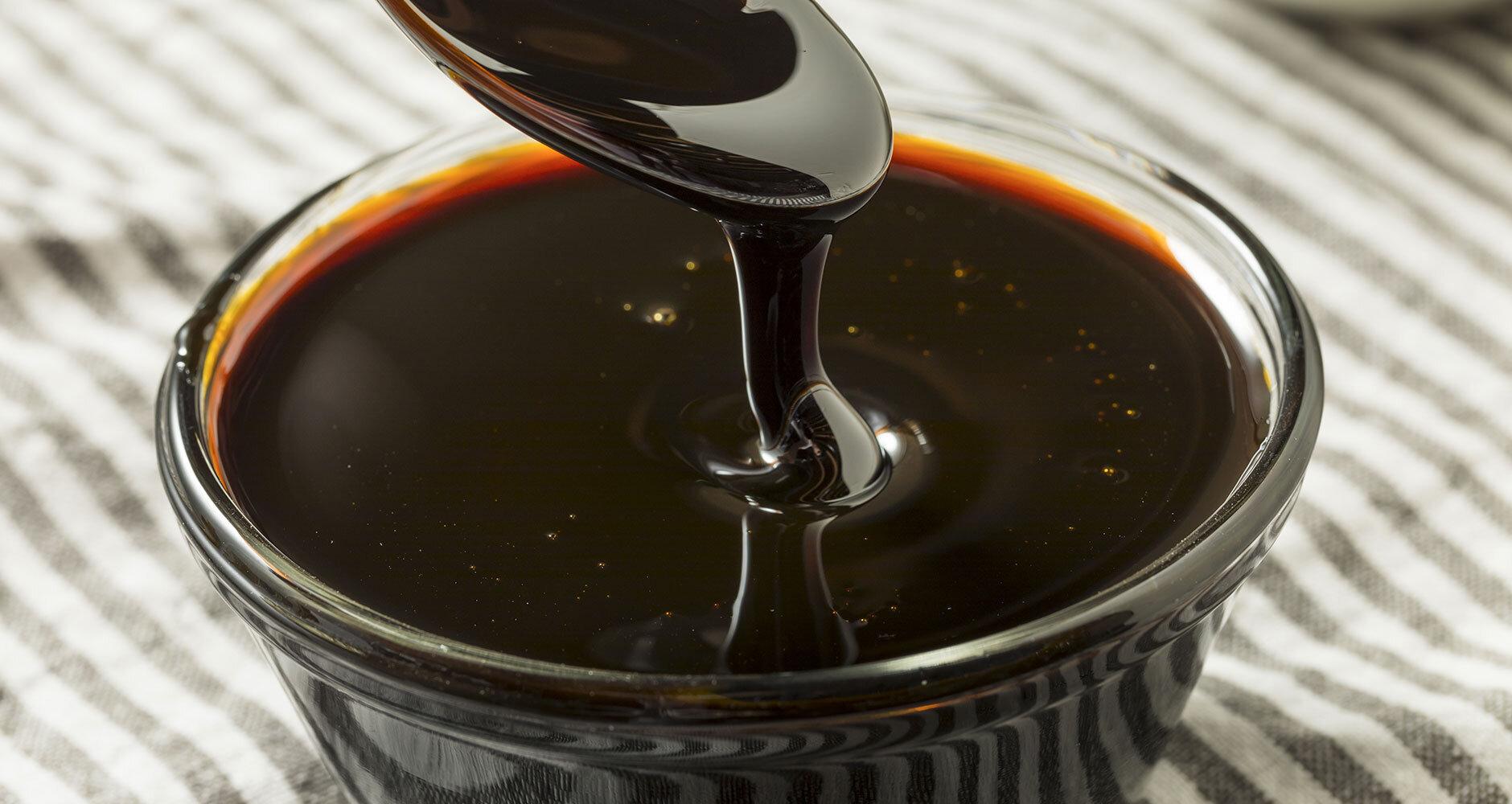blackstrap molasses.jpg