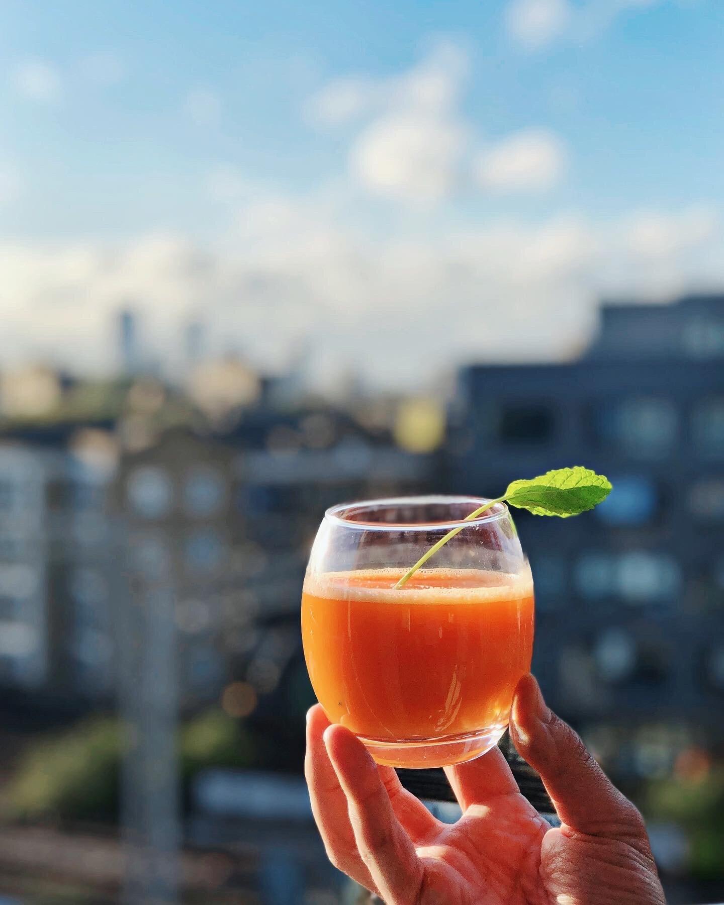 Cleansing Orange Detox Juice