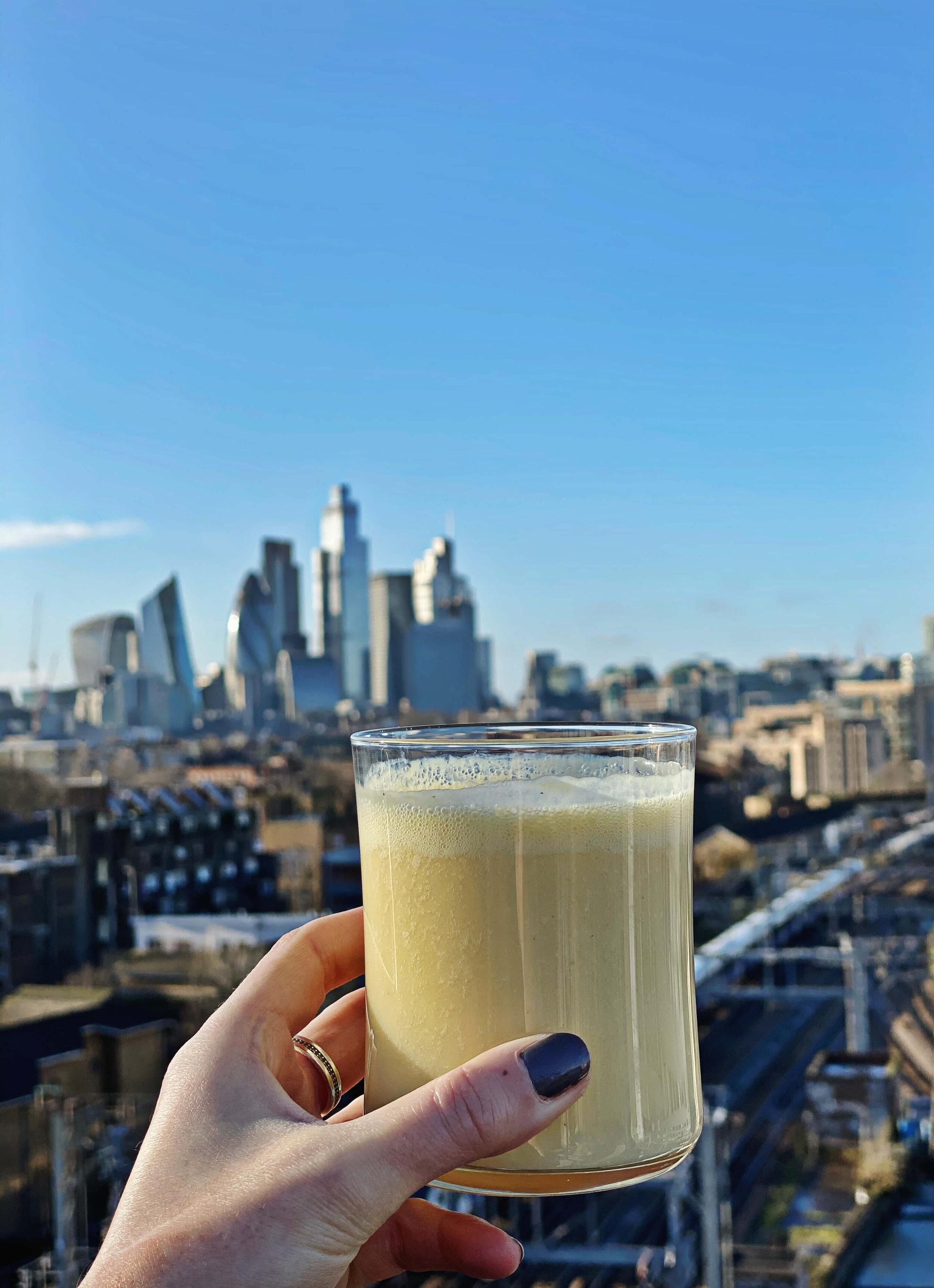 healthy morning breakfast detox juice in london