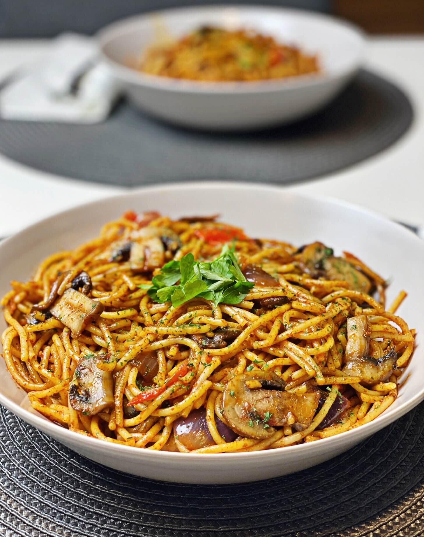 Spaghetti Aglio E Olio With Spicy Mushrooms Voach The Vegan Coach