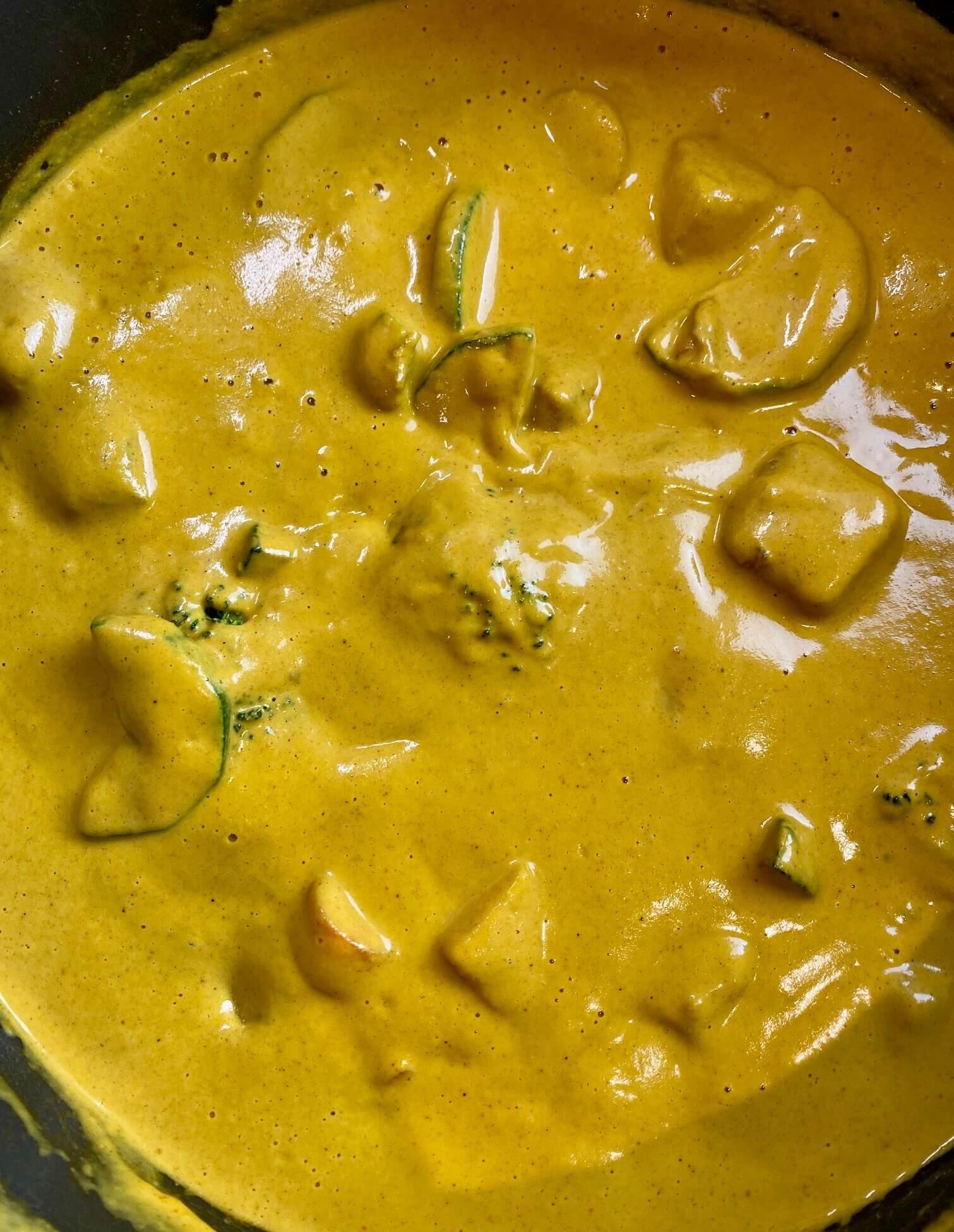 how to make a vegan mango curry.jpg