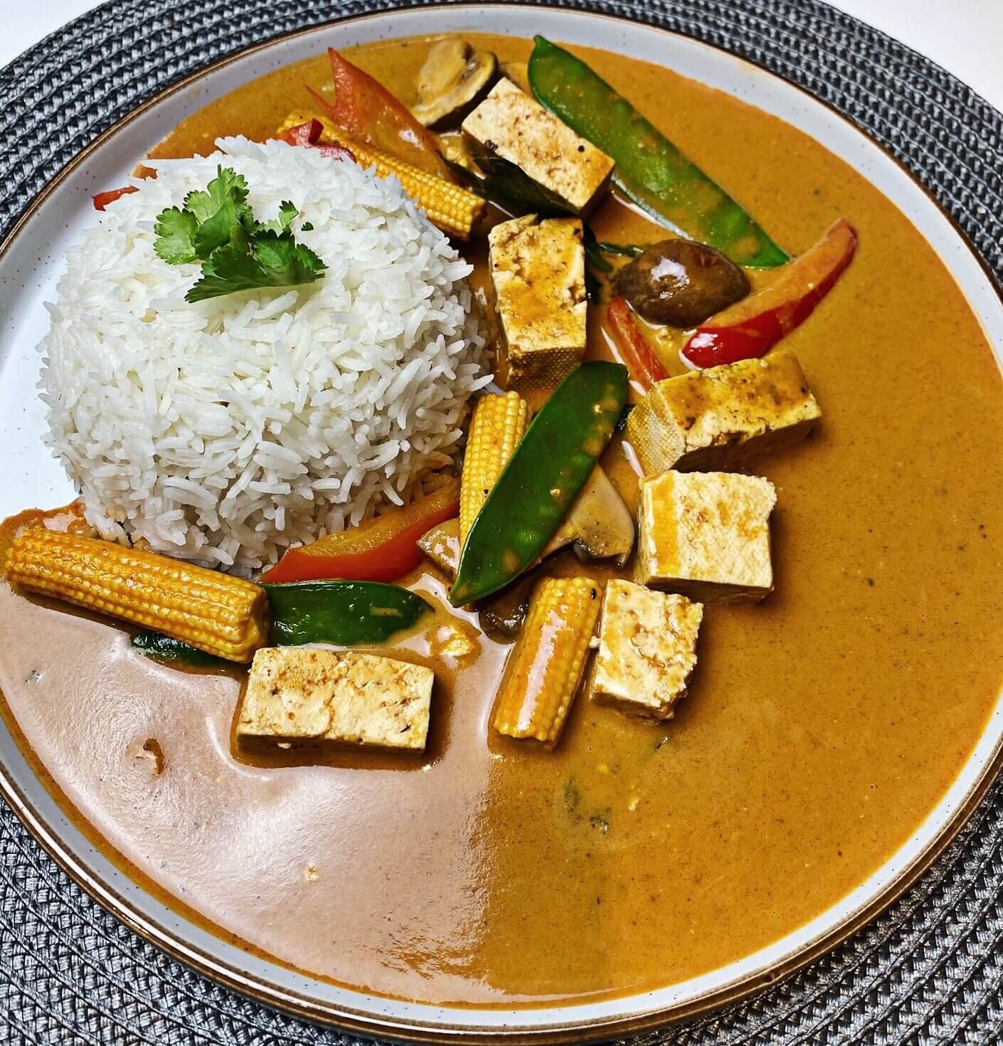 Vegan Thai Red Curry With Tofu