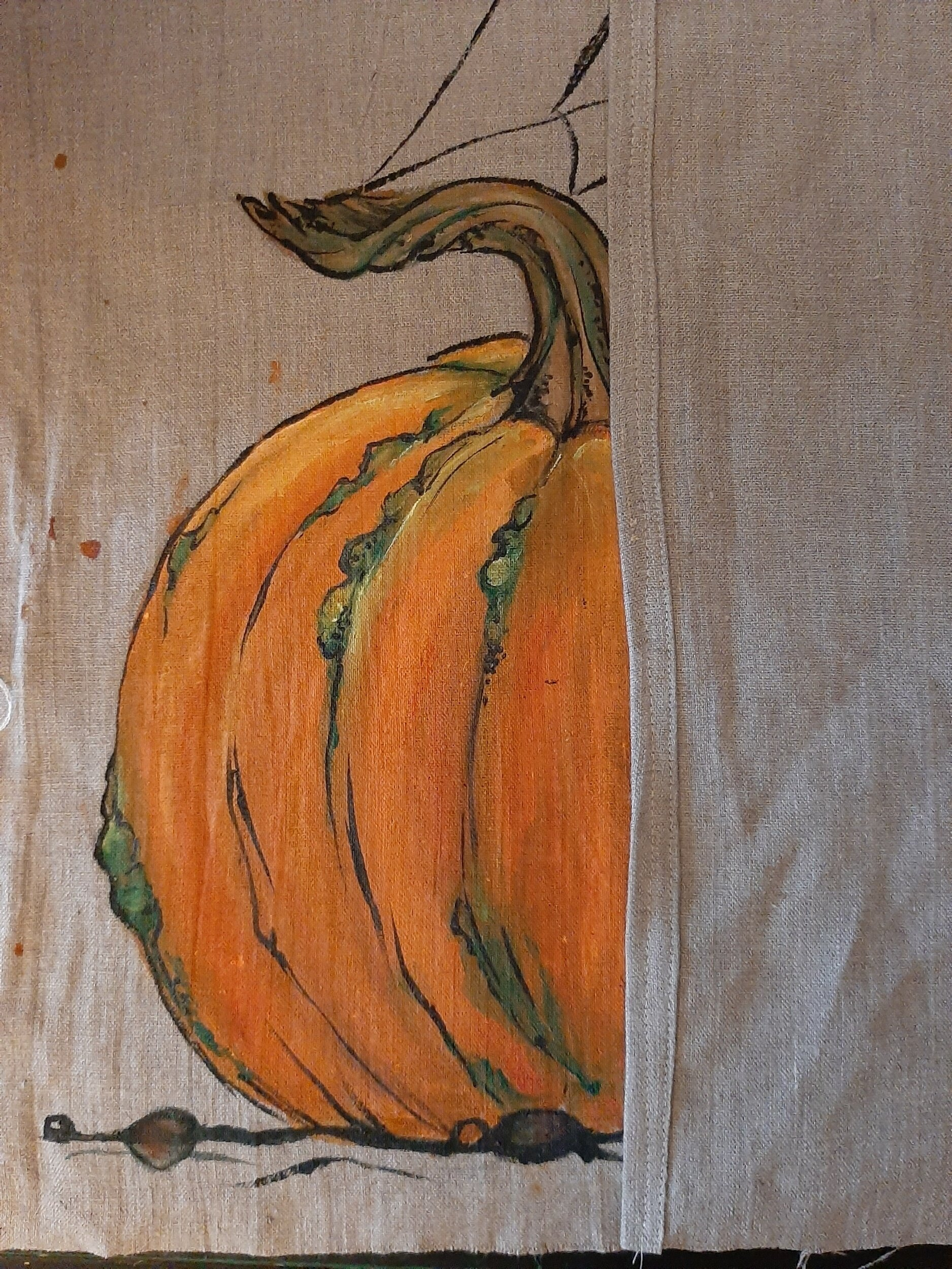 Pumpkin facing up, hem in the middle fold up.