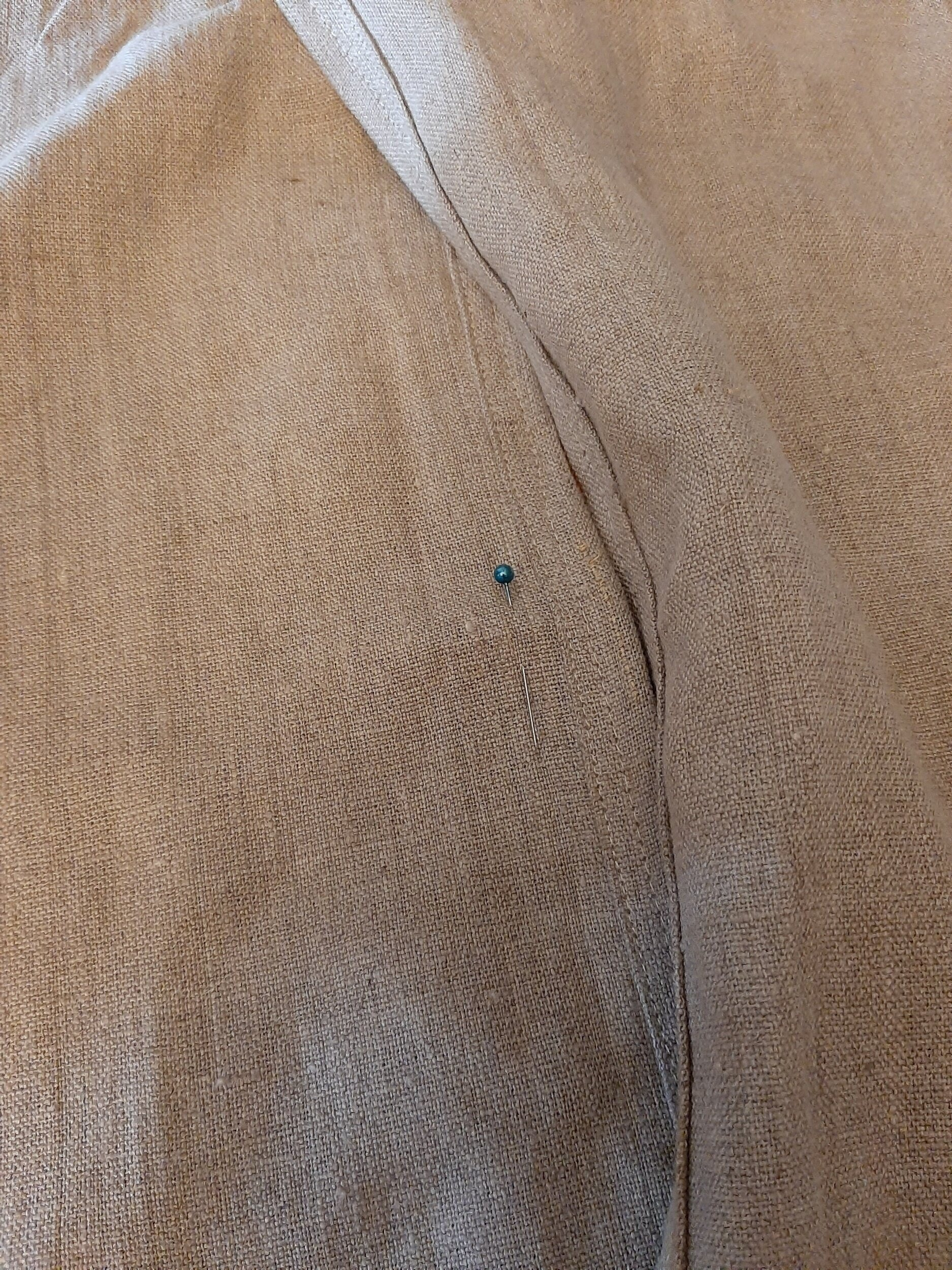 pin marking the middle of the back