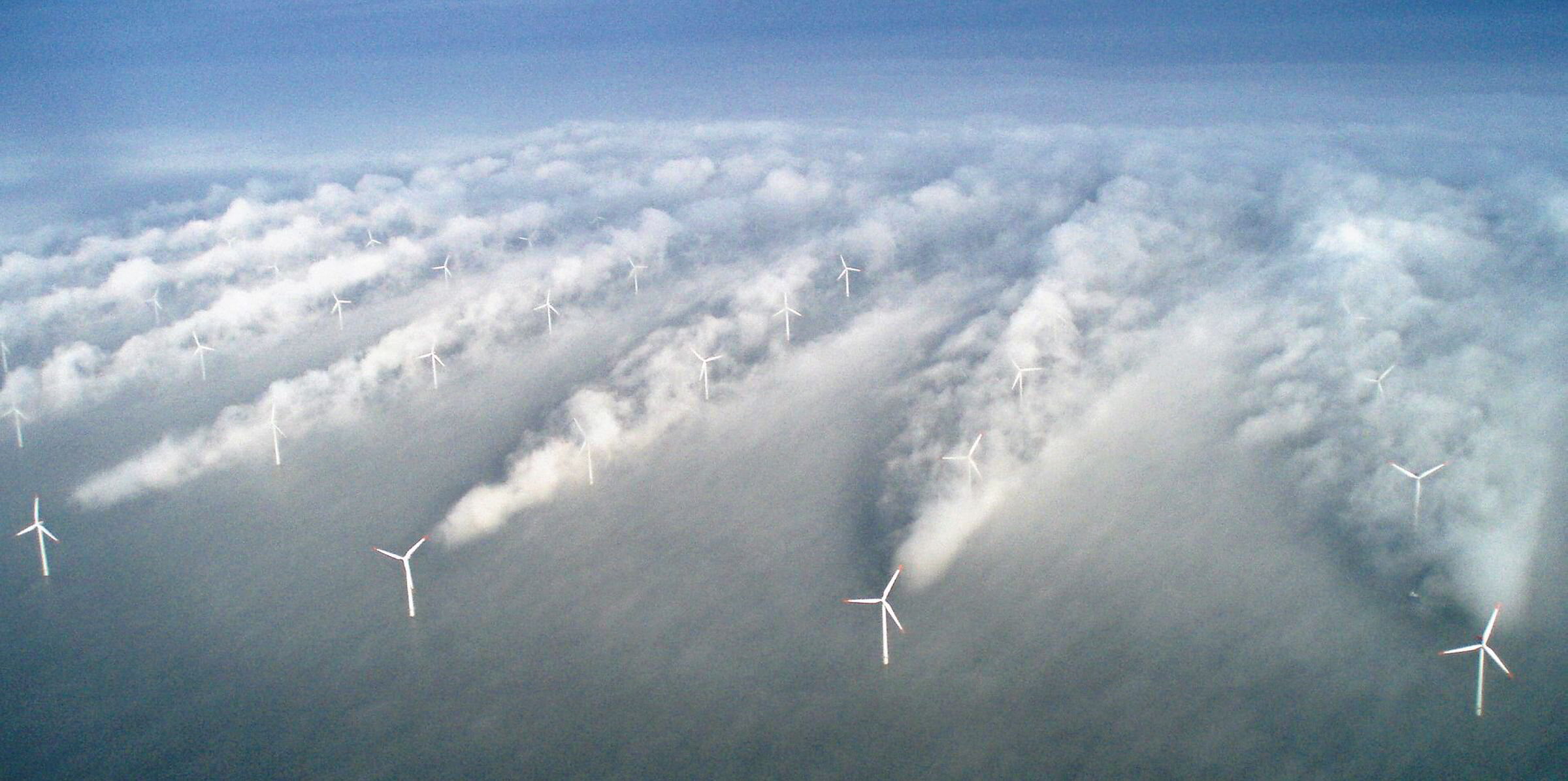 Fig. 1: The wake-effect in action. Turbines directly in the wake region of another turbine produce considerably less power.