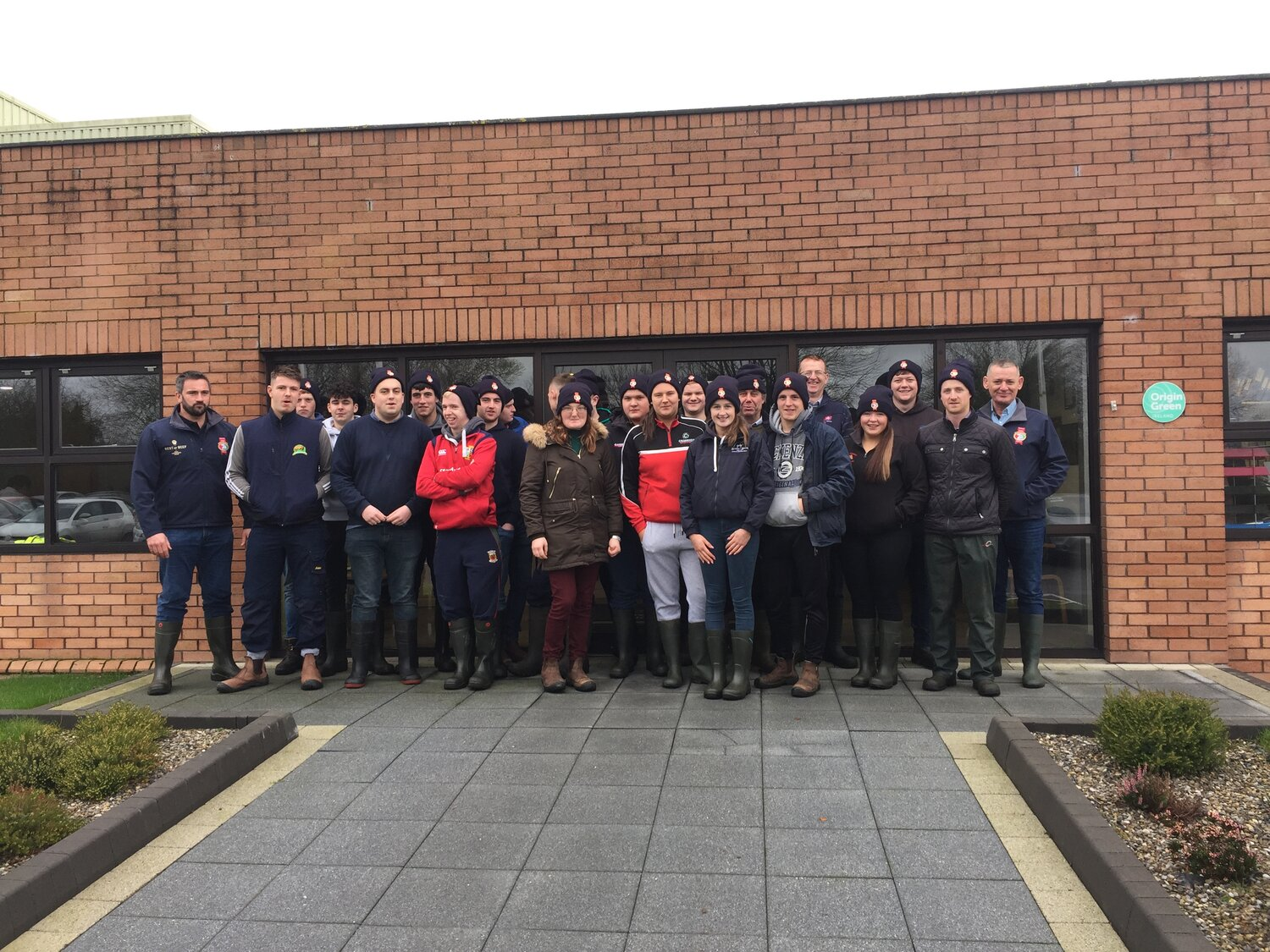 A stock judging competition and tour of the ABP Nenagh beef processing facilities took place with students from Gurteen Agricutural College, Co. Tipperary in November of 2019. The students were tasked with estimating the carcass weight, conformation grade and fat score of the 5 Hereford cattle on display. Putting into practice the tips provided by ABP Nenagh procurement manager Liam Chadwick on how best to select an animal for slaughter. Students were also given access to the chill room to compare the different conformation grades and levels of fat on the 5 carcasses post slaughter. A real highlight of the day was getting to see the boning out of a carcass into the various primal cuts of beef.