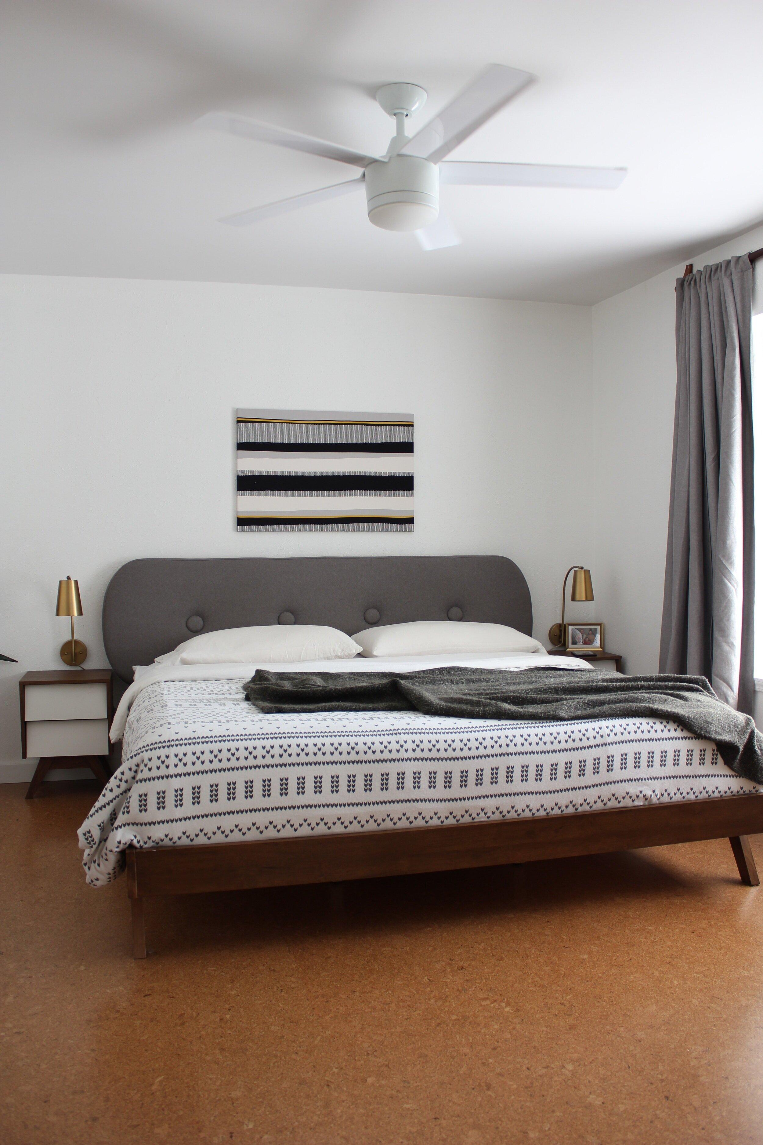 Minimalist+bedroom+before+makeover+rounded+headboard.jpg