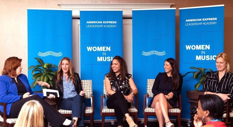 アメリカンエキスプレス:去年一年間でおこなった様々な女性向けの活動をシェアーすると共に今年行う女性のリーダーシップアカデミーのイベントを発表しています。