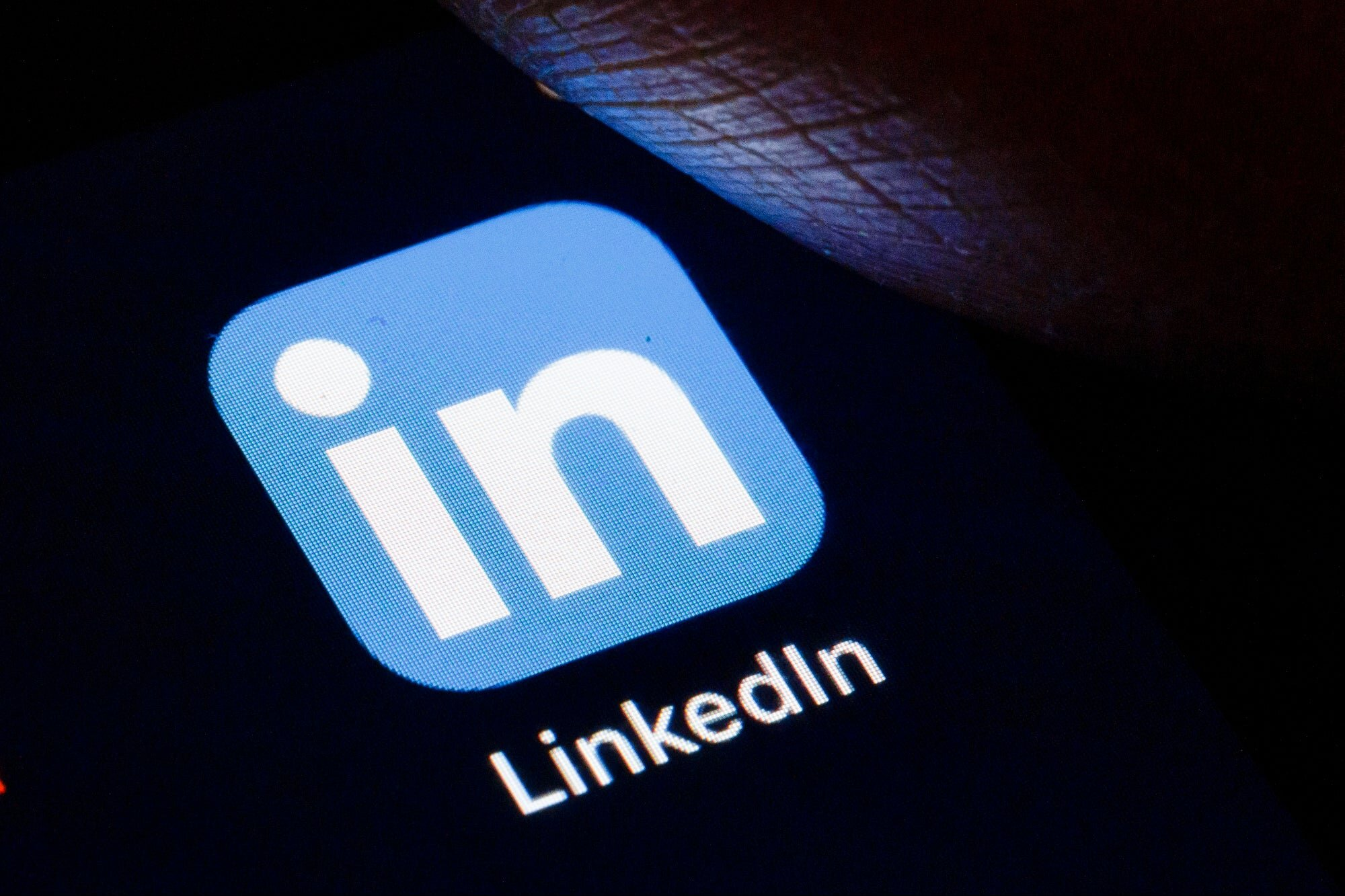 I firmly believe LinkedIn is the best social media platform to build a business (not just get seen). Tim Denning and I partner up again to give you the inside track on doing just that - https://medium-bad-assery.teachable.com/p/linkedin-mastery