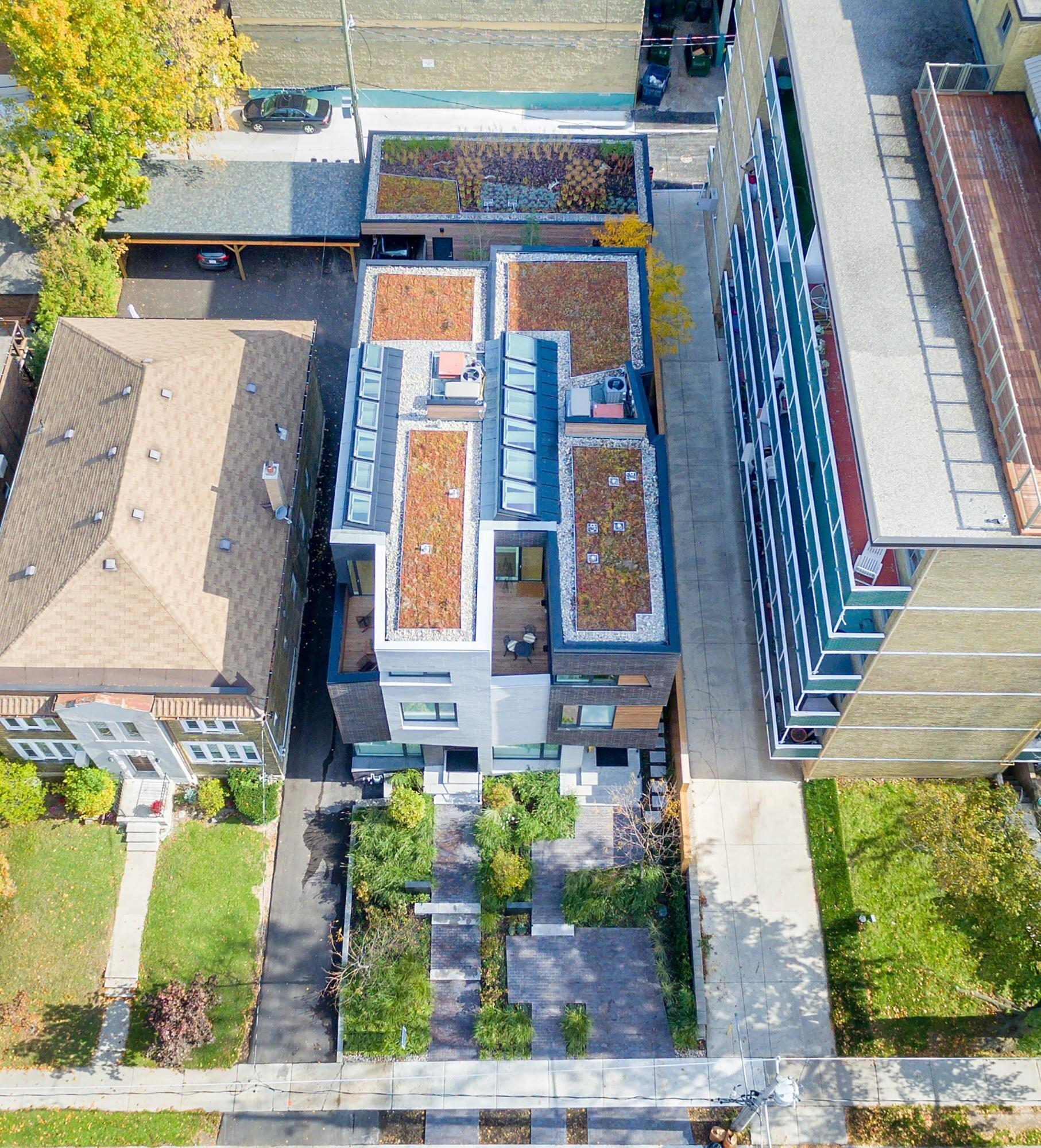 Relmar House是多伦多的一个住宅项目,于2015年完工,利用了多伦多城市生态激励计划。