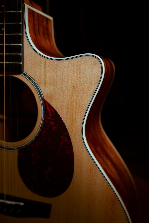 首款GA桶型 - 繼我們2020年推出高端產線的第一款吉他(T10)以來,就一直有熱心的粉絲在關注整個高端產線會不會推出GA桶型的吉他,這一年來社交媒體上對于GA桶型的呼聲越來越高。今天,Q1M終于來了,它是恩雅全豐產線第一款GA桶型吉他,承載著25年工藝與匠心沉淀,以及10年走下來的創新之路,只為給你更好的選擇Q1M,首款GA桶型吉他:即是傳承,更是開創