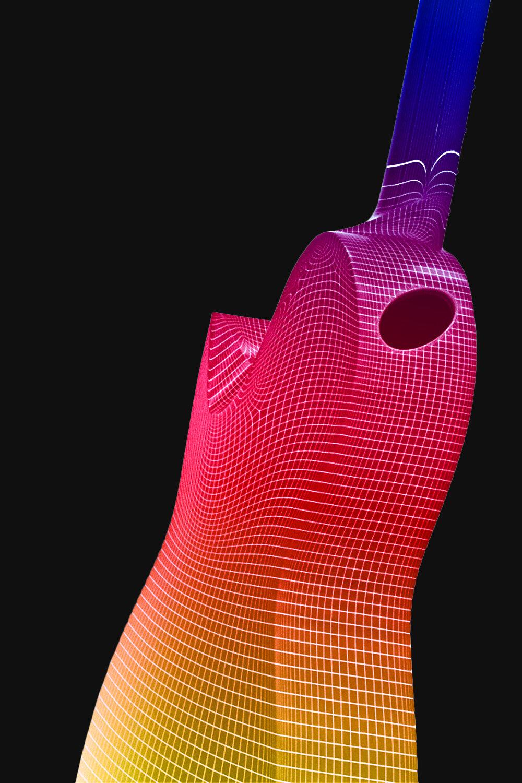 新型聲學復合碳纖維 - 恩雅團隊與高級重點材料科學實驗室歷時2年,打造特調碳纖維材料增強比例,使得復合碳纖維在振動表現上猶如演奏多年的老琴振動能量傳導損耗更低,共鳴更加有力